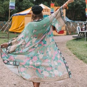 SPELL AND THE GYPSY CLOUD DANCER KIMONO ☁️